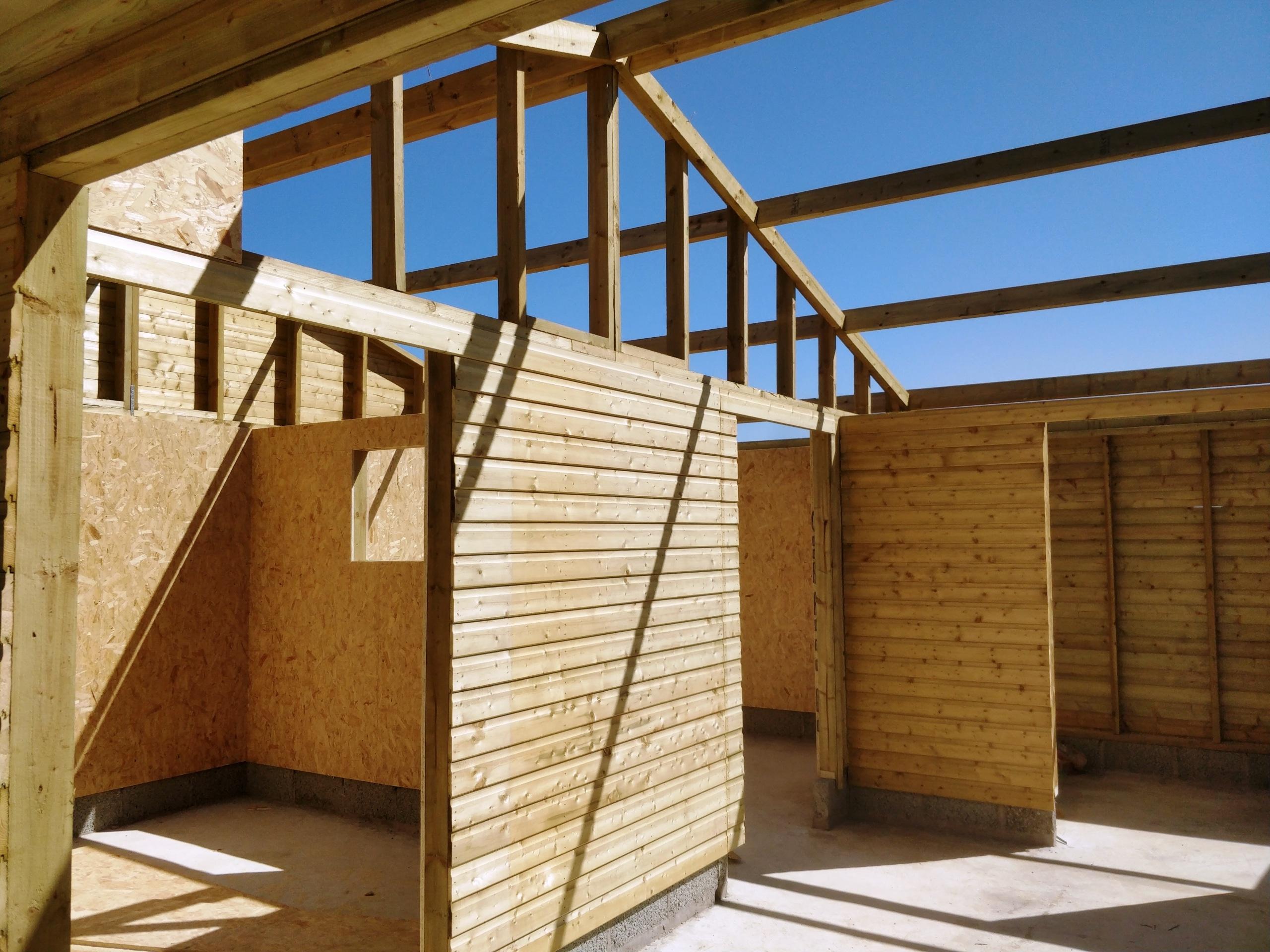 equestrian buildings ireland - internal frame work
